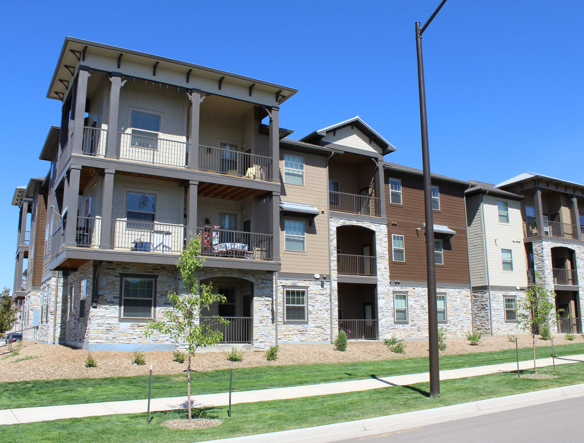 Crowne At Timberline: Stylish Apartments Near Fort Collins, Colorado